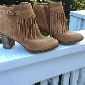 Naturalizer Tan Ankle Boots